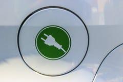 Электрическая штепсельная вилка на крышке танка Стоковая Фотография