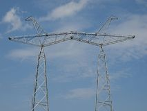 электрические проводы башни Стоковые Изображения RF