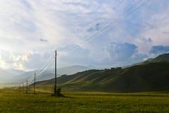 Электрические проводы в горах Стоковое Изображение