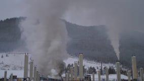 Электрические решетка и огонь на станции трансформатора сток-видео