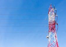 Электрические столб и провода Стоковые Фотографии RF