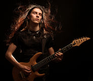 электрический играть человека гитары Стоковые Фотографии RF