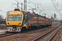 электрический пассажирский поезд Стоковая Фотография