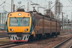 электрический пассажирский поезд Стоковое Изображение