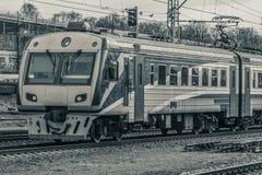 электрический пассажирский поезд Стоковые Изображения