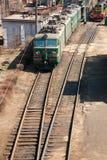 электрический проходя поезд Стоковые Изображения
