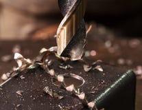 Электрический сверлильный аппарат к бурильной стали стоковое фото