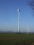 электрическими ветер приведенный в действие генераторами Стоковое фото RF