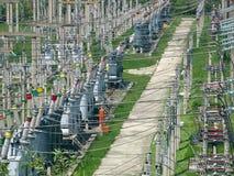 электрическое высокое напряжение тока трансформаторов Стоковая Фотография RF