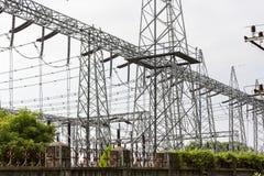 электрическое напряжение тока высокой башни Концепция силы Стоковое Изображение RF