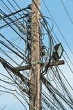 электрическо много проводов штендера стоковая фотография rf