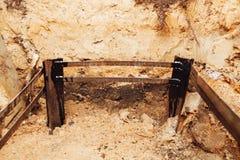 Электричество заземляя instalaltion, подземную часть рамок металла Стоковые Фото