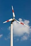 Электричество продукции ветротурбин. стоковые фотографии rf