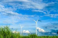 электричество производя ветер турбин стоковая фотография