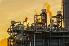 Электричество электростанции совмещенного цикла природного газа производя станцию Стоковое Изображение RF