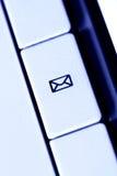 электронная почта кнопки Стоковое фото RF