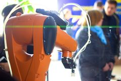 электронное устройство и человек Стоковая Фотография