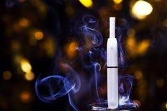 Электронное bokeh золота прибора дыма никто стоковые изображения rf