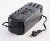 Электропитание офиса с 110 штепсельными вилками напряжения тока Стоковые Фотографии RF