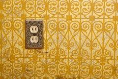 Электророзетка в декоративной стене Стоковые Фотографии RF