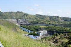 Электростанция запруды реки Magat гидро электрической в гористом Ifugao Стоковые Фотографии RF