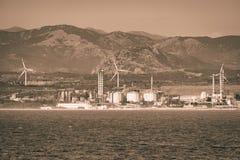 Электростанция которая производит электричество используя энергию ветра и tida стоковая фотография rf
