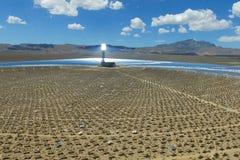 Электростанция на солнечных батареях Альтернативный источник энергии панели солнечных батарей стоковое фото rf