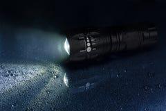 электрофонарь тактический делает водостотьким Стоковая Фотография