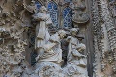 Элементы архитектуры и статуи входа к старой части Sagrada Familia Стоковые Изображения RF