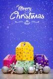Элементы, игрушки и подарочные коробки украшения рождества Стоковое Изображение