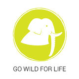Эмблема вектора на день мировой окружающей среды Силуэт и лозунг слона Стоковое Изображение