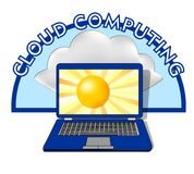 Эмблема облака вычисляя с компьтер-книжкой, на солнце дисплея и позади показывает естественное облако Стоковое Изображение