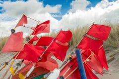 Эмблемы революции на пляже Балтийского моря Стоковые Фотографии RF