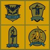 Эмблемы хеллоуина Комплект пересеченные крыла вектора шпаг экрана эмблем Бесплатная Иллюстрация