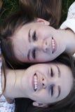 Эмоции людей, очаровательные близнецы сестер Стоковое Изображение