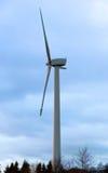 Энергия ветра, ветрянка ветротурбины стоковая фотография