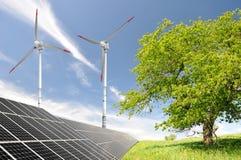 энергия обшивает панелями солнечный ветер турбины Стоковое Изображение