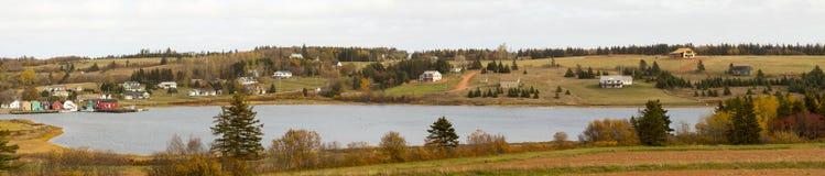 Энн сельской местности привода зеленых щипцов сценарной, PEI, Канады Стоковое Фото