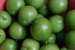 Эрик, или ренклоды, часто вызывали кислые зеленые сливы, съеденные в Турции стоковые фото