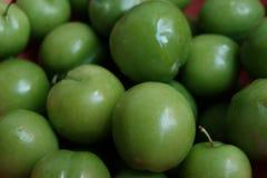 Эрик, или ренклоды, часто вызывали кислые зеленые сливы, съеденные в Турции стоковое фото