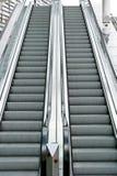 эскалаторы стоковые изображения