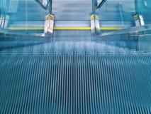 эскалатор авиапорта Стоковое Изображение