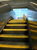 эскалатор идя вверх Стоковое фото RF