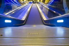 эскалатор идя вверх Стоковые Изображения RF