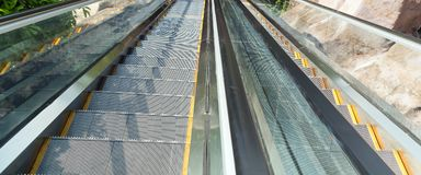 Эскалатор moving лестница Стоковые Фото