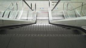 Эскалатор двигая вверх сток-видео