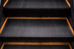 Эскалатор в универмаге стоковое фото rf