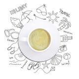 Эскизы лета вокруг чашки кофе стоковые изображения rf