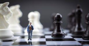 Эскиз человека внутри игра в шахматы Стоковое фото RF