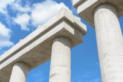Эстакада соединения шоссе конструкции соединения шоссе конструкции промышленная новая поднимать в прогрессе для colu транспортног Стоковые Изображения